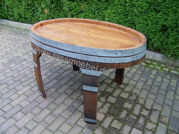 Tisch aus einem gebrauchten Ovalen Weinfass